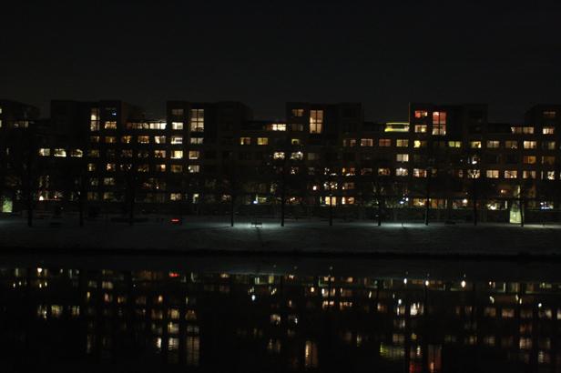 Maastricht in de avond aan de Maas.