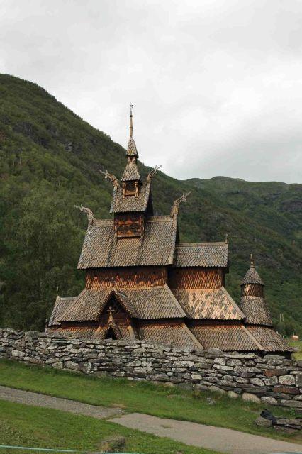 Staafkerk van Borgund. De meest karakteristieke en best bewaard gebleven staafkerk van Noorwegen.
